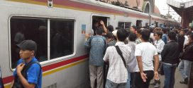 Menteri Perhubungan Budi Karya Kesal Melihat Penumpang Menumpuk di Stasiun Manggarai