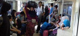 Kereta Tersendat Masuk Stasiun Manggarai