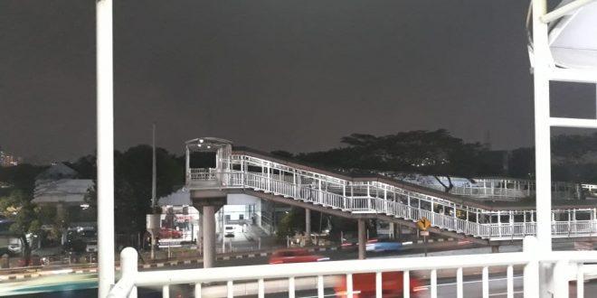 Ayo Satukan Jembatan Penyeberangan Stasiun Cawang