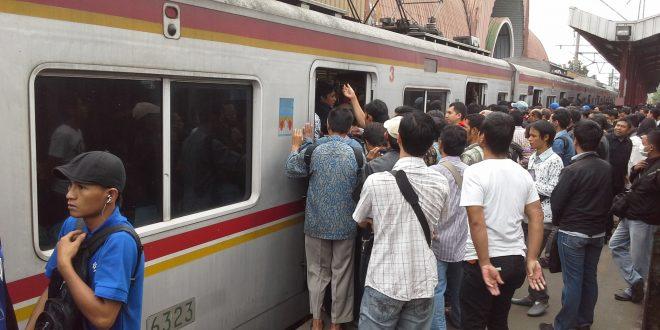 Pelecehan Seks Lagi di Commuterline