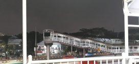 Jembatan Cawang Tak Nyaman untuk Penumpang Kereta